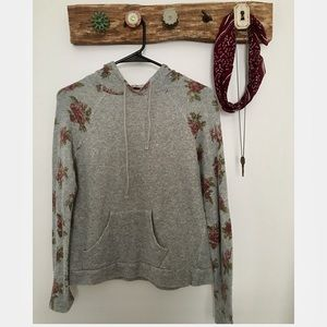 Floral Sleeved Lightweight Hoodie - Tilly's